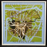 Gea Grevink - Berlijn - 47,5 x 47,5 cm - Zeefdruk op papier - aluminium ingelijst
