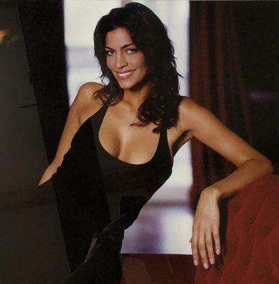Patricia Steur - Touriya Haoud - 63 x 63  cm - kleurenfoto (vintage print) - in diasec - luxe ingelijst