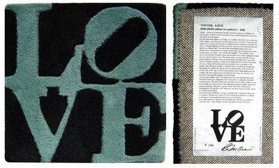 Robert Indiana - Winter LOVE - 38 x 38 cm - Mixed media, handgeknoopt wol
